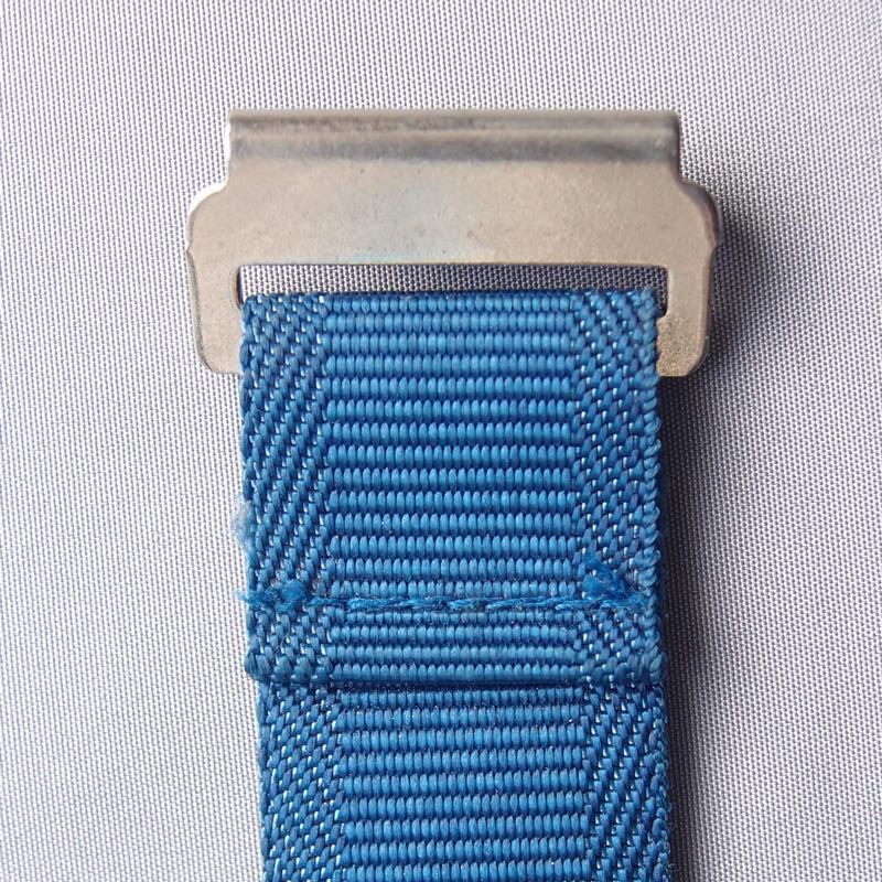 リモワのディバイダフック鉄製