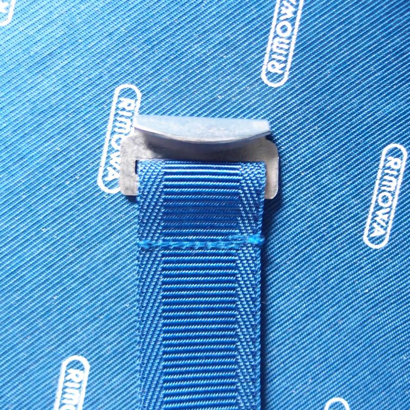 リモワのディバイダーフック鉄製
