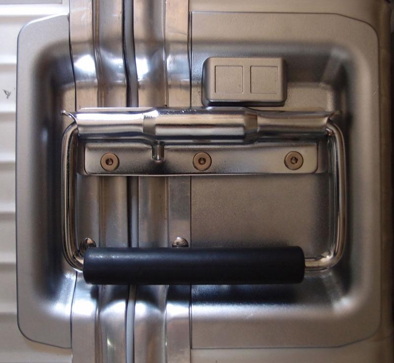 樹脂性ハウジングのリモワプルタブハンドル